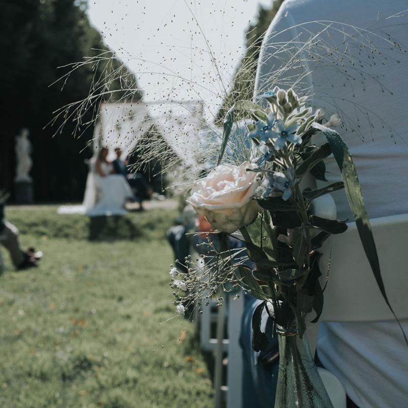 Stoelversiering bruiloft